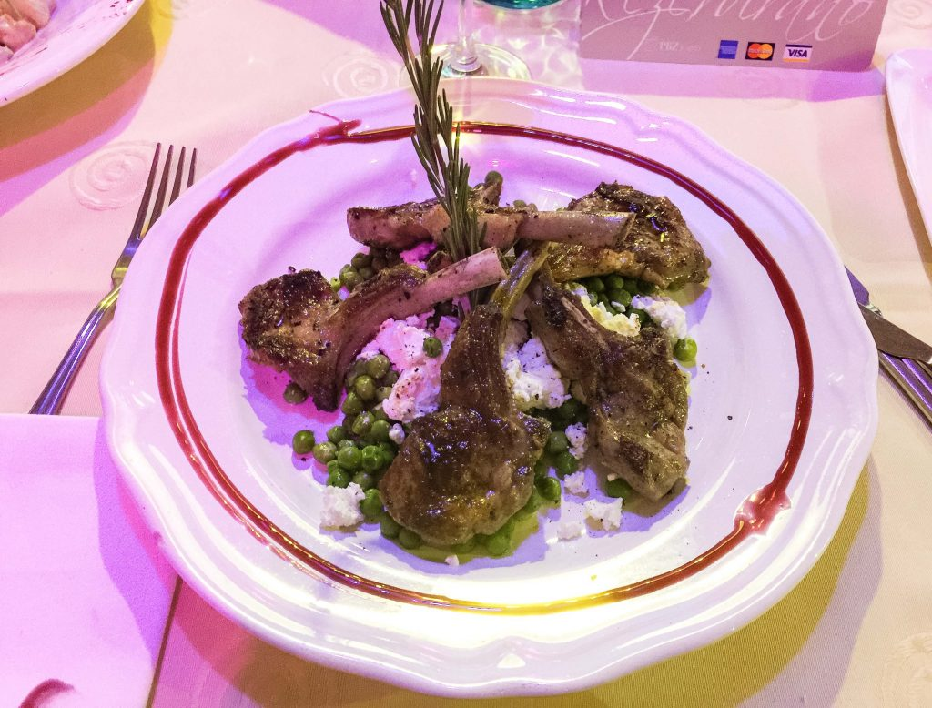 This lamb with sweet peas and feta cheese costs only 125 HRK, which is just the middle price among all the food here.